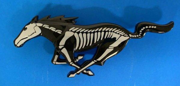 Running Pony Custom Emblem 8 Zoll (05-09 All)