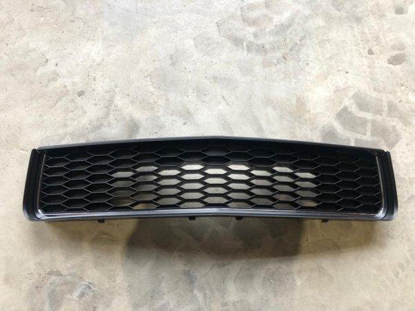 Bullitt Style Grill - leicht beschädigt (05-09 GT)