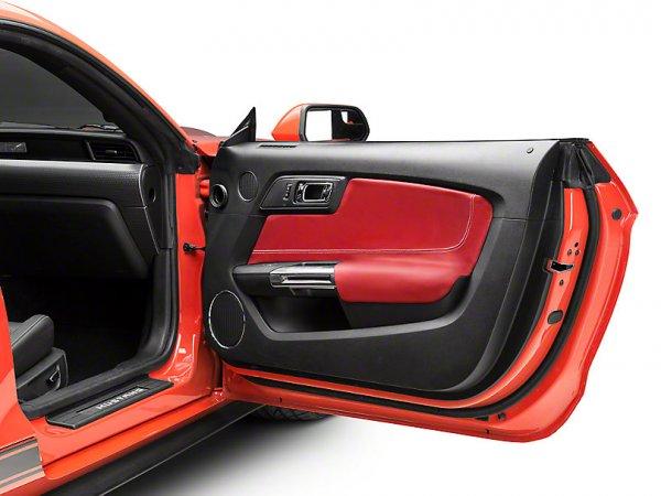 Alterum Türeinsatz & Armlehnenbezüge - Rot (15-20 All) Mustang15InsertsRed
